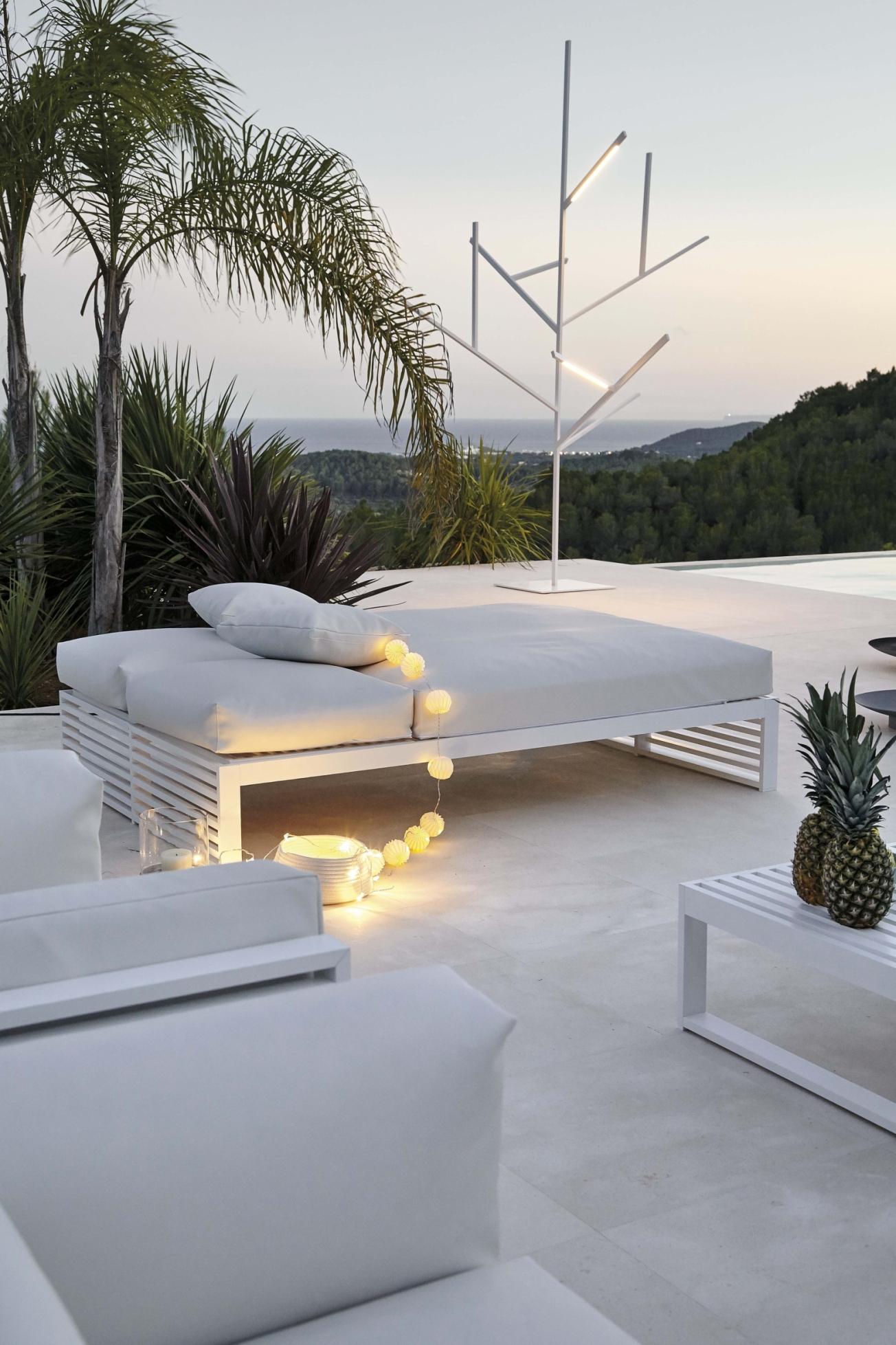 DNA Outdoor Sunbed | Outdoor Furniture