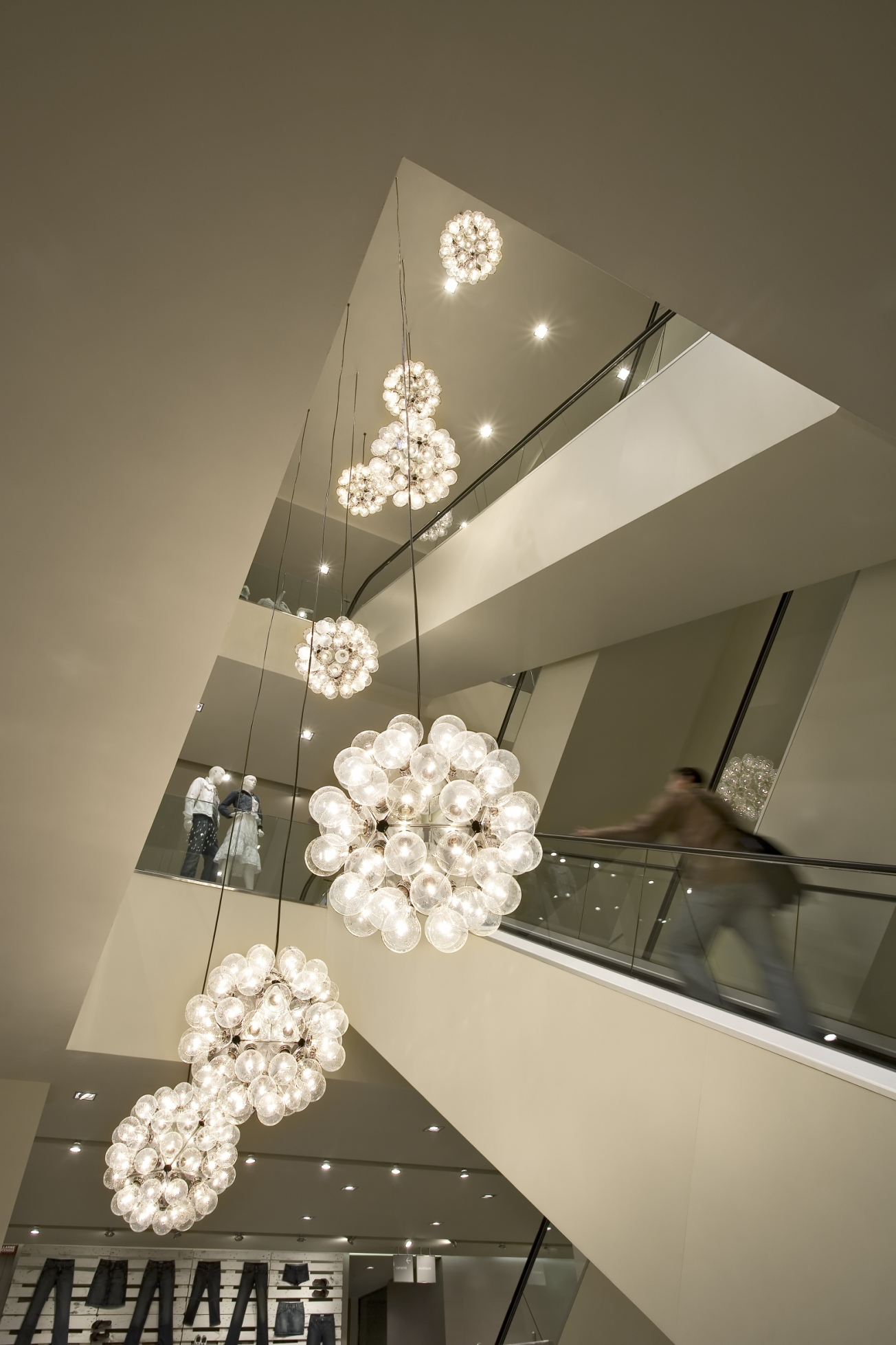 Taraxacum Pendant Light | Pendant Lights | IQ Furniture