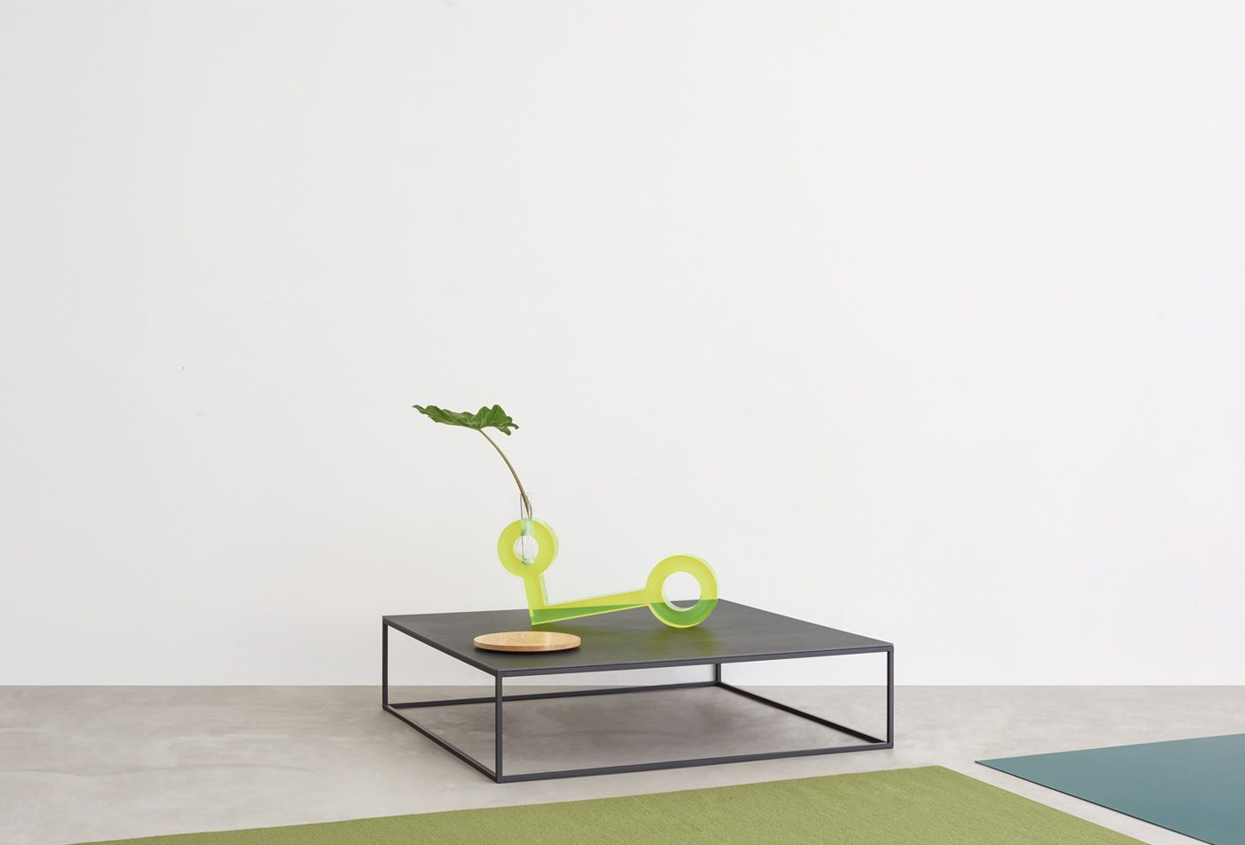 Industriel Table Basse Palette helsinki 15 table   coffee and side tables   iq furniture